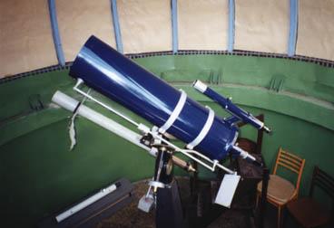 Teleskopy v kupole